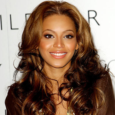 How To Get Beyonce's Glowing Skin From Your Foundation
