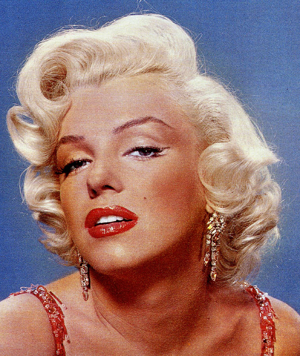 The Sultry Marilyn Monroe Eyeliner Trick