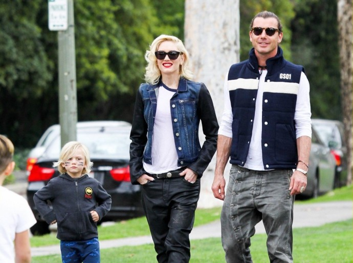 gwen-stefani-gavin-rossdale-scootering-with-the-boys-11-e1364471535724
