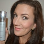 Product Review ::  Pür minerals Liquid Veil 4 In 1 Spray Foundation