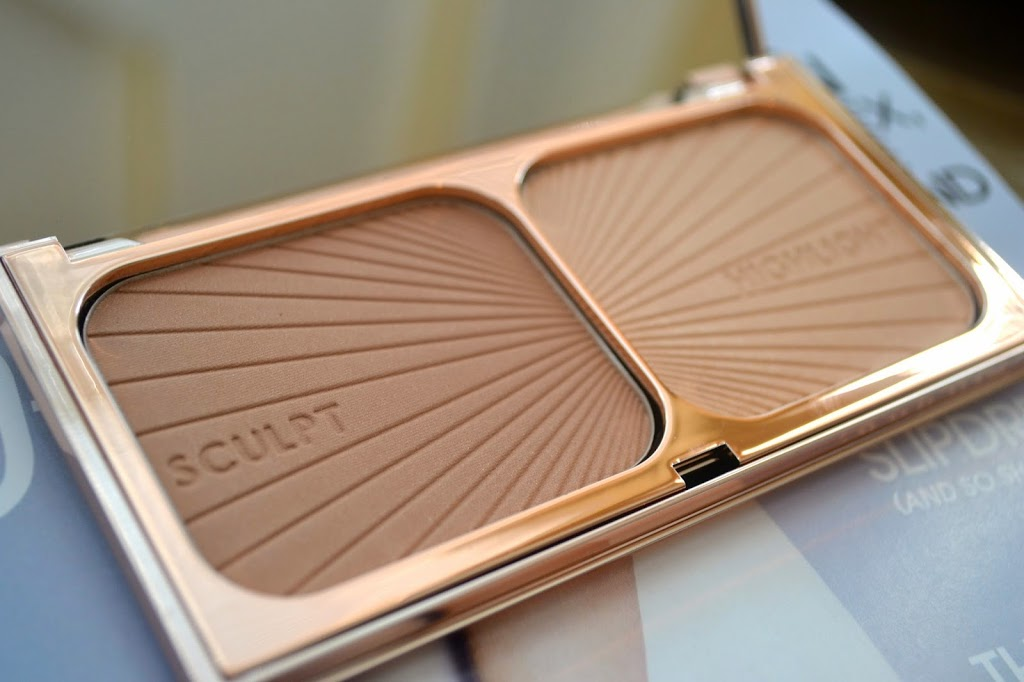 close up look of Charlotte Tilbury Filmstar Bronze & Glow duo