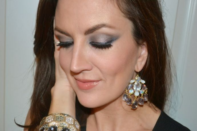 Esqido mink lashes and chandelier earrings