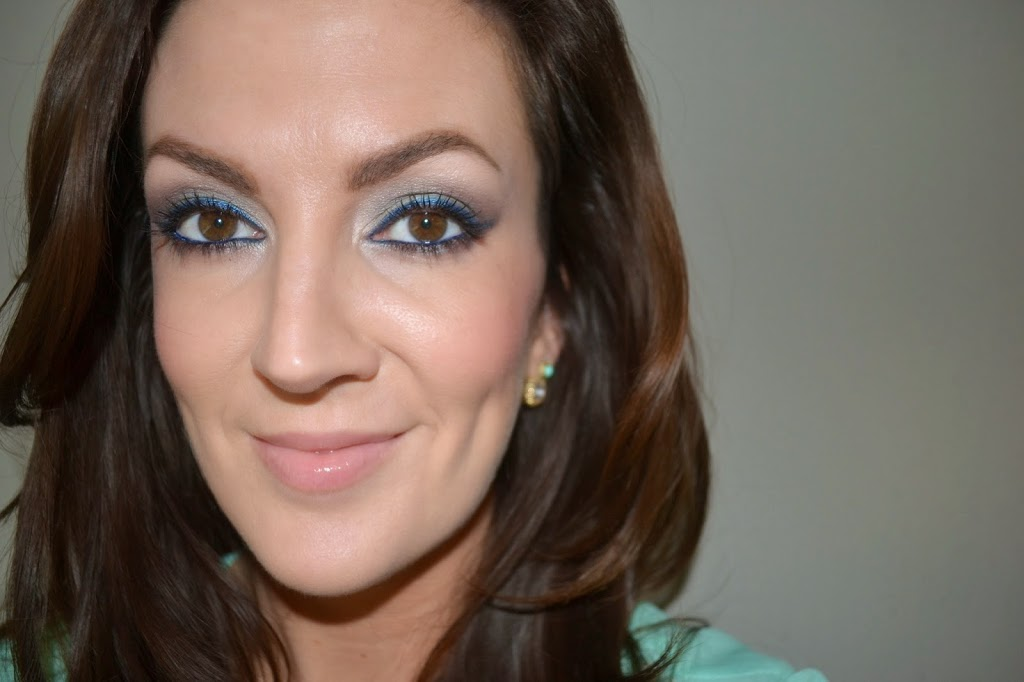 smokey eyes in blue