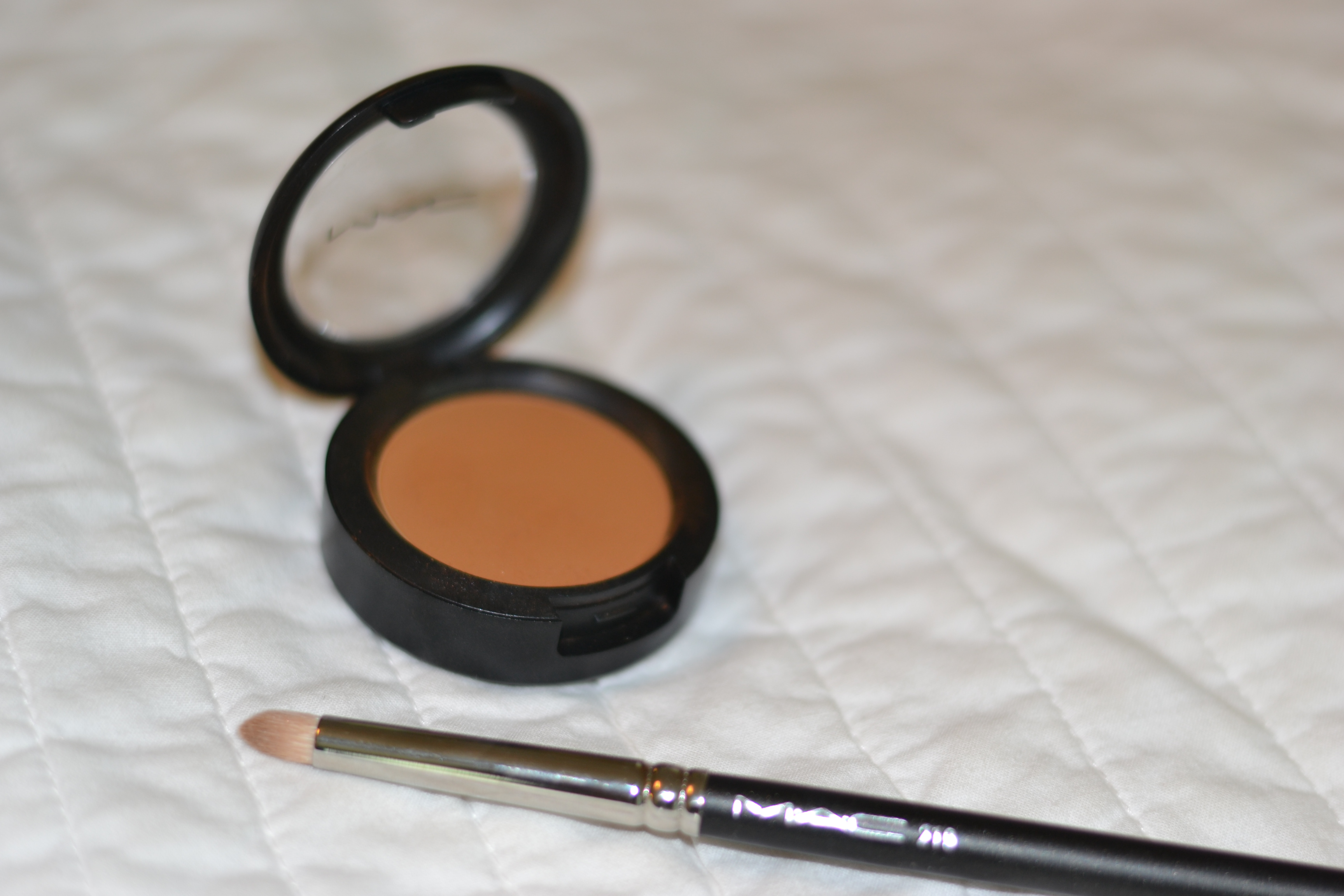 Best Mac Eyeshadow For Light Brown Eyes - The Best Makeup Tips and ...