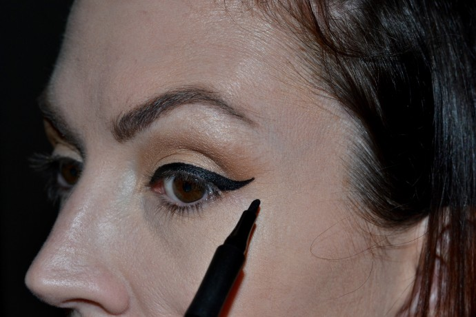 Cover-Girl-Intensify-Me-liquid-liner-review