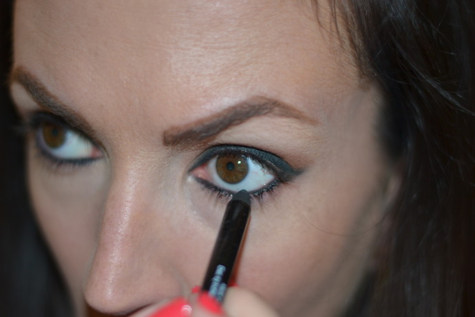 "butter london wink eye pencil in ""union jack black"""