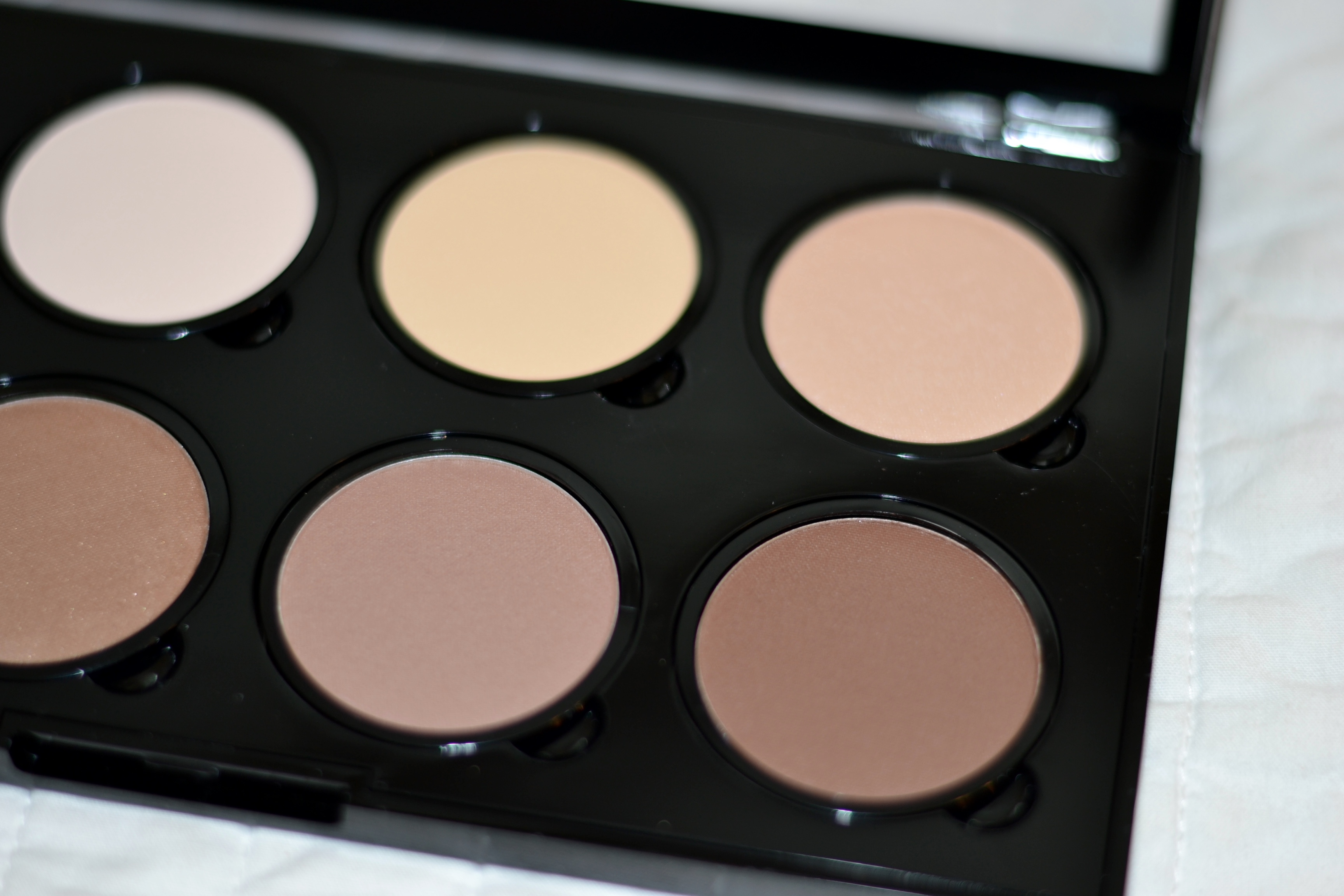 How To Use The Nyx Highlight & Contour Pro Palette