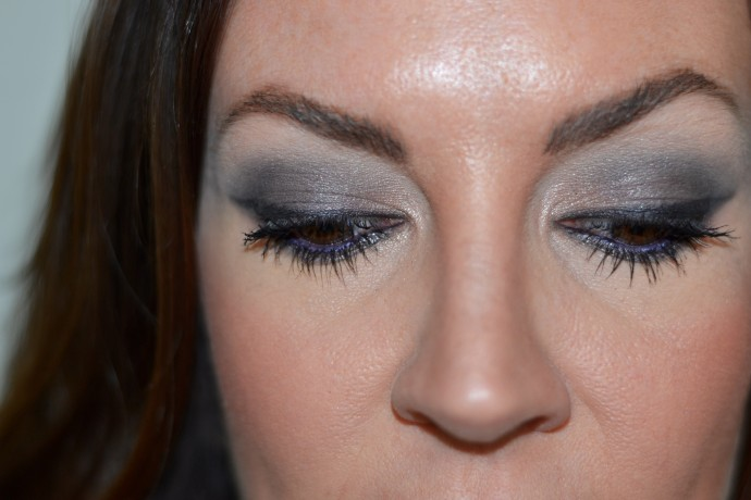 jennysue-makeup-smoky-eye-look-created-with-urban-decay-naked-smoky-palette