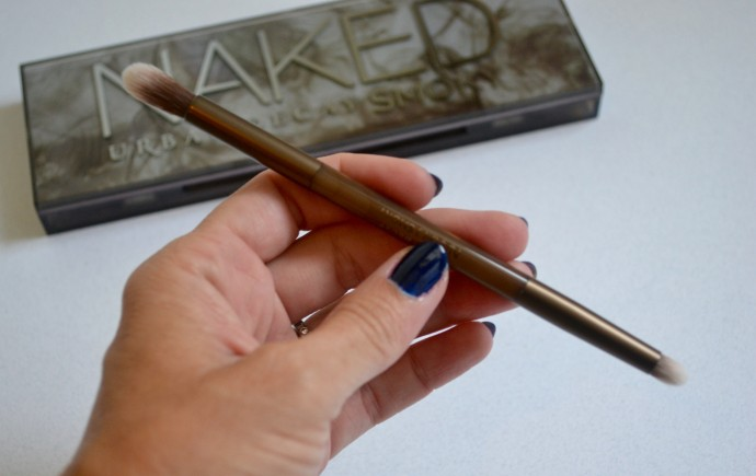brush inside the Urban Decay Naked Smoky palette