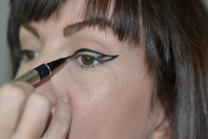 steps-to-create-bold-graphic-eyelienr