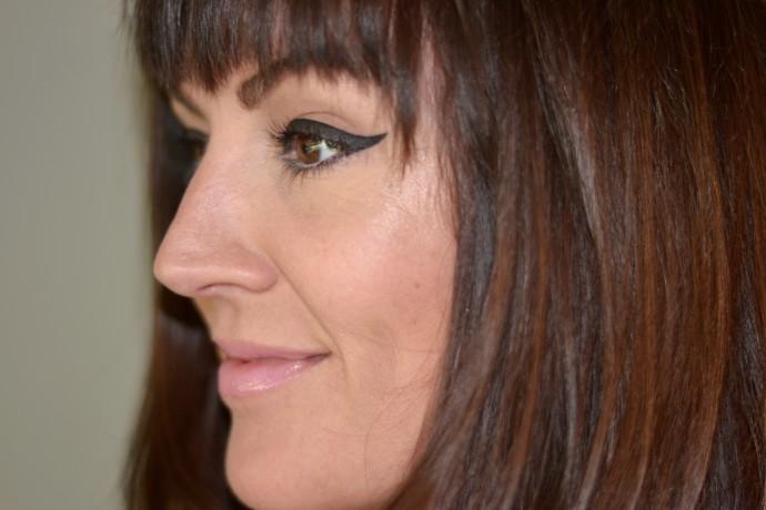 kendall-jenner-bold-eyeliner -look for-fendi