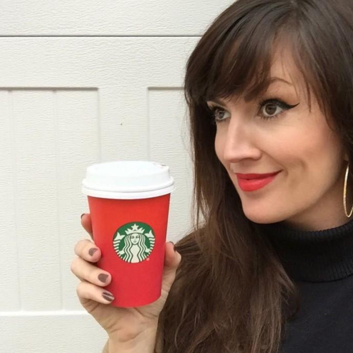 starbucks-redcup-red-lipstick
