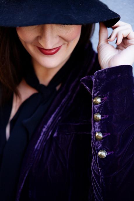 velvet-blazer-details