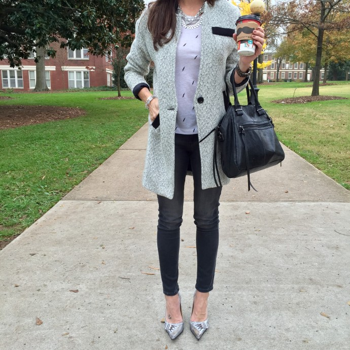 how-to-style-gray-denim-leggings-with-coat
