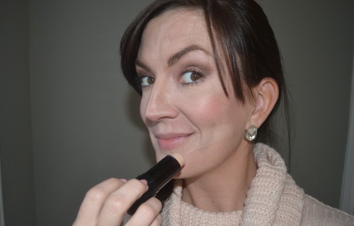 easy-makeup-glam-tips-foundation