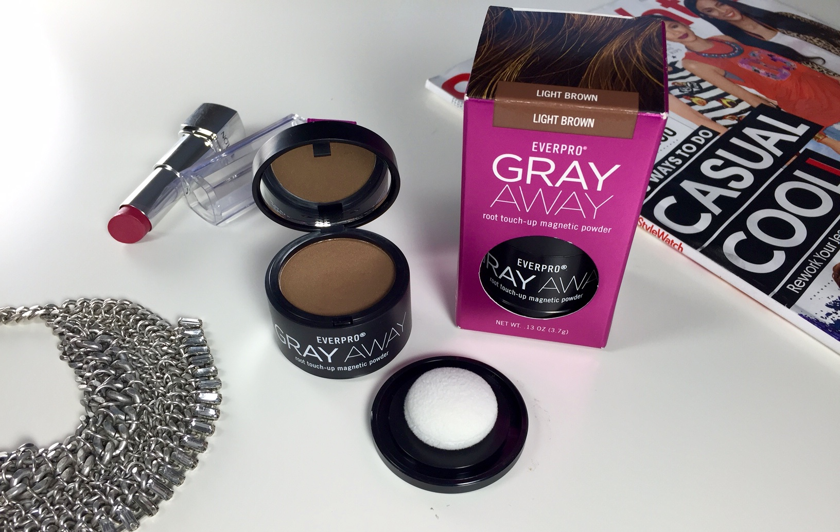 A Genius Way To Conceal The Gray : Gray Away Root Touch-Up Magnetic Powder