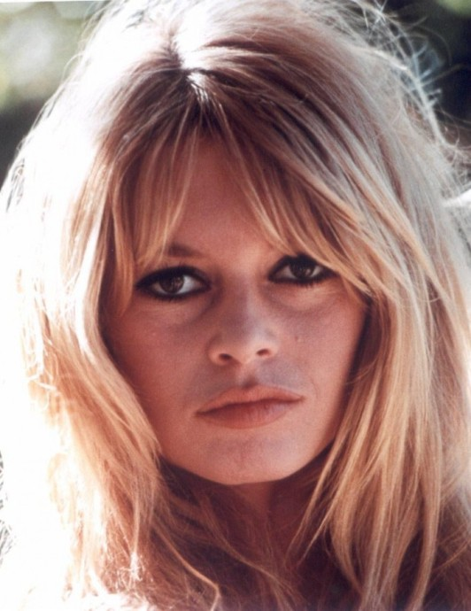center-part-bangs-brigitte-bardot
