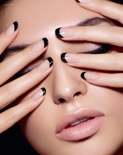 winter-beauty-trends-nails-black