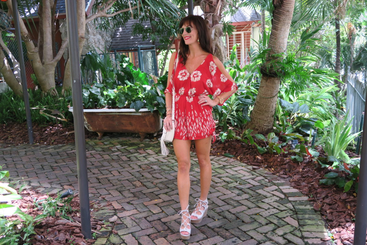 red_lips_red_clothes_romper