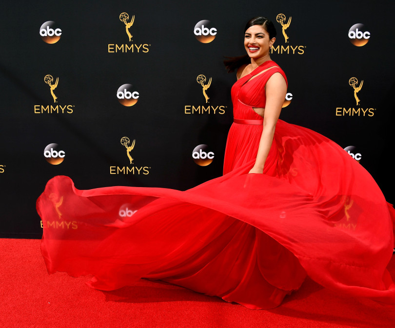 best_emmy_beauty_looks_priyanka_chopra