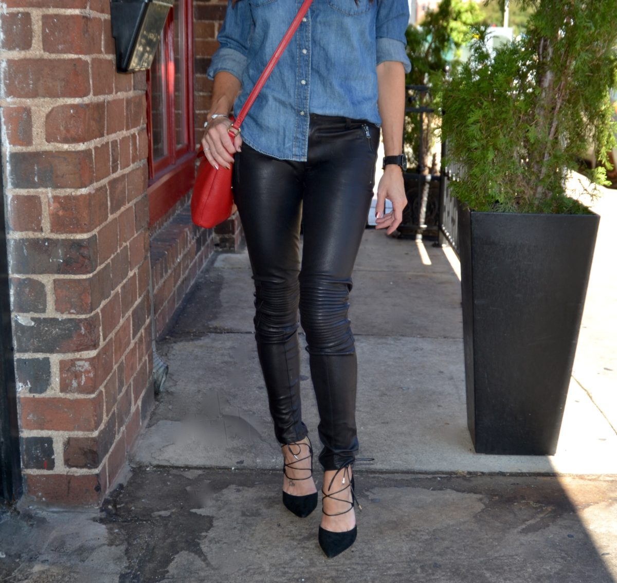 fashion and beauty blog, JennySue Makeup by Jennifer Duvall, leather pants and chambray shirt fashion
