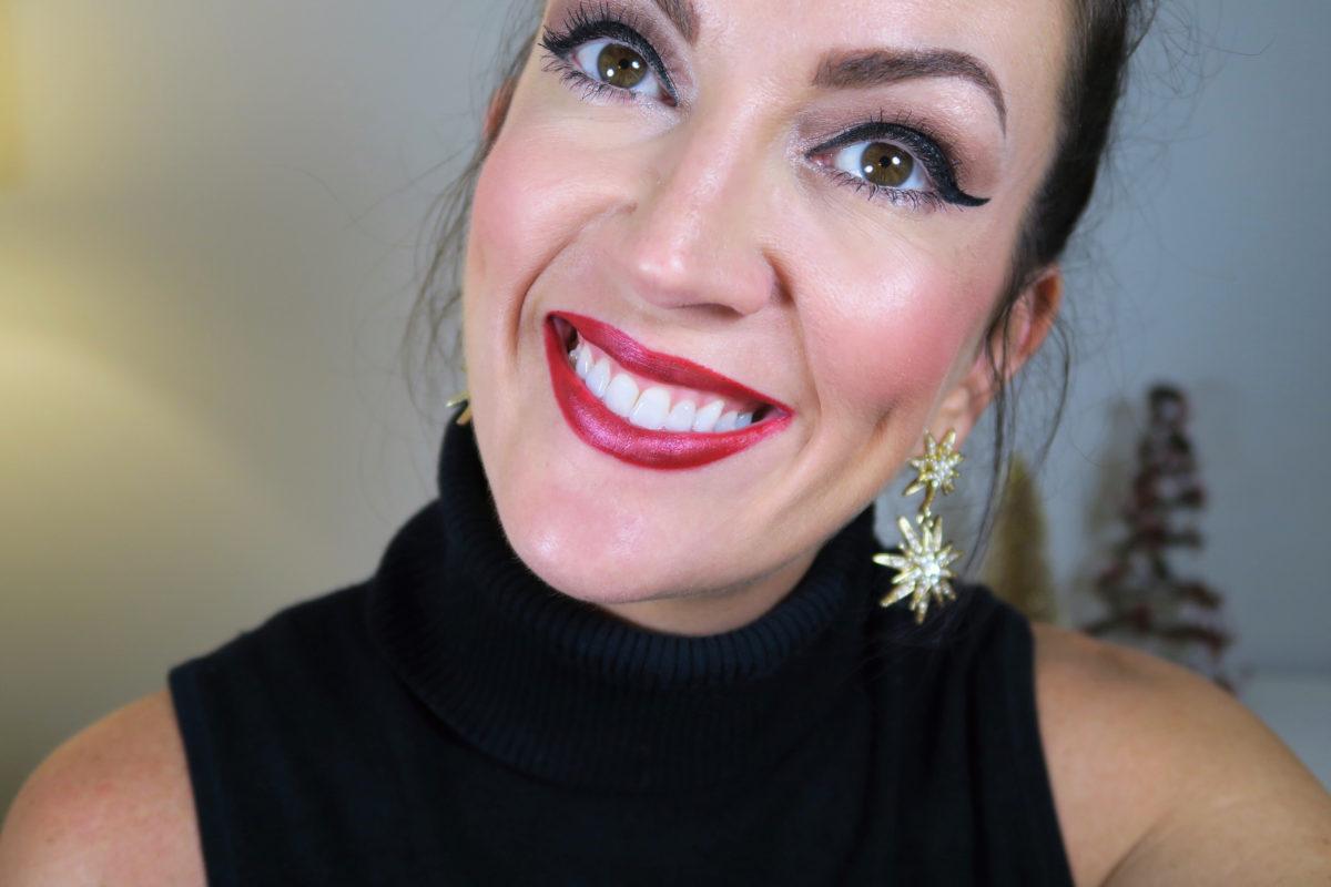 holiday-red-glitter-lip-tutorial-jennysuemakeup-beauty-blogger