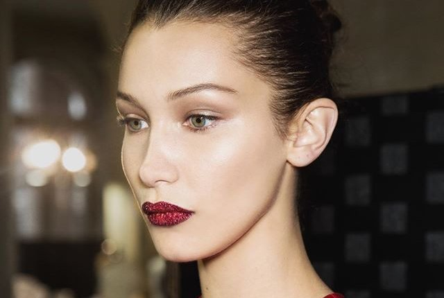 holiday red glitter lip tutorial pat mcgrath