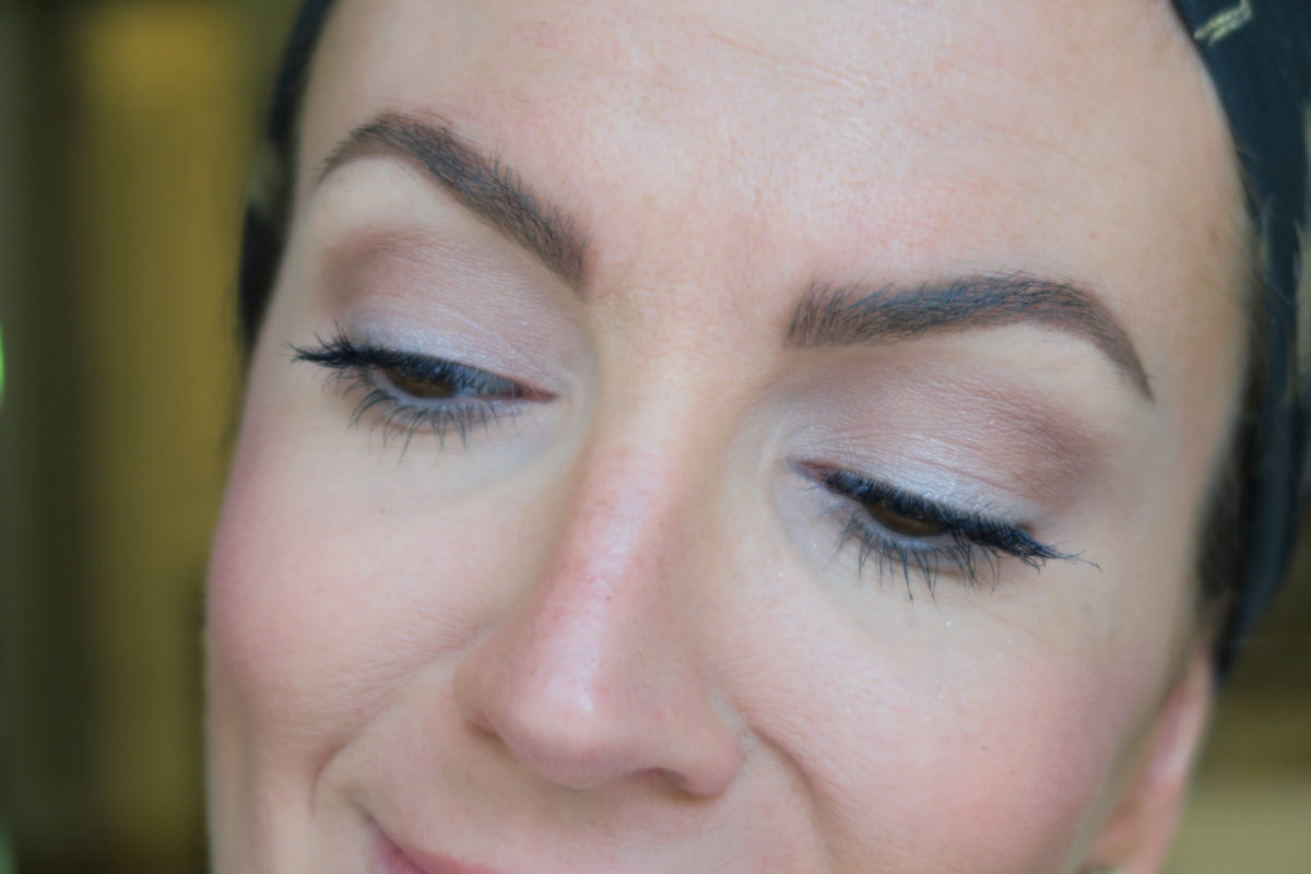 naturally filling in eyebrows beauty blogger JennySue Makeup