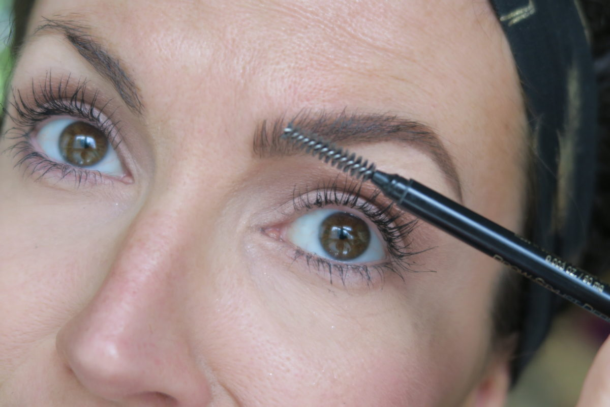 tips for filling in eyebrows natural looking