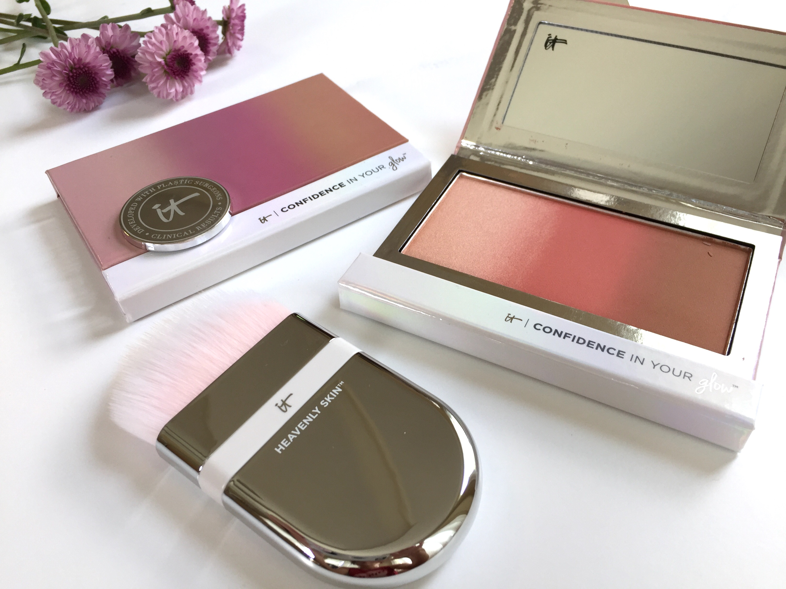 it cosmetics confidence in your glow review makeup of the moment