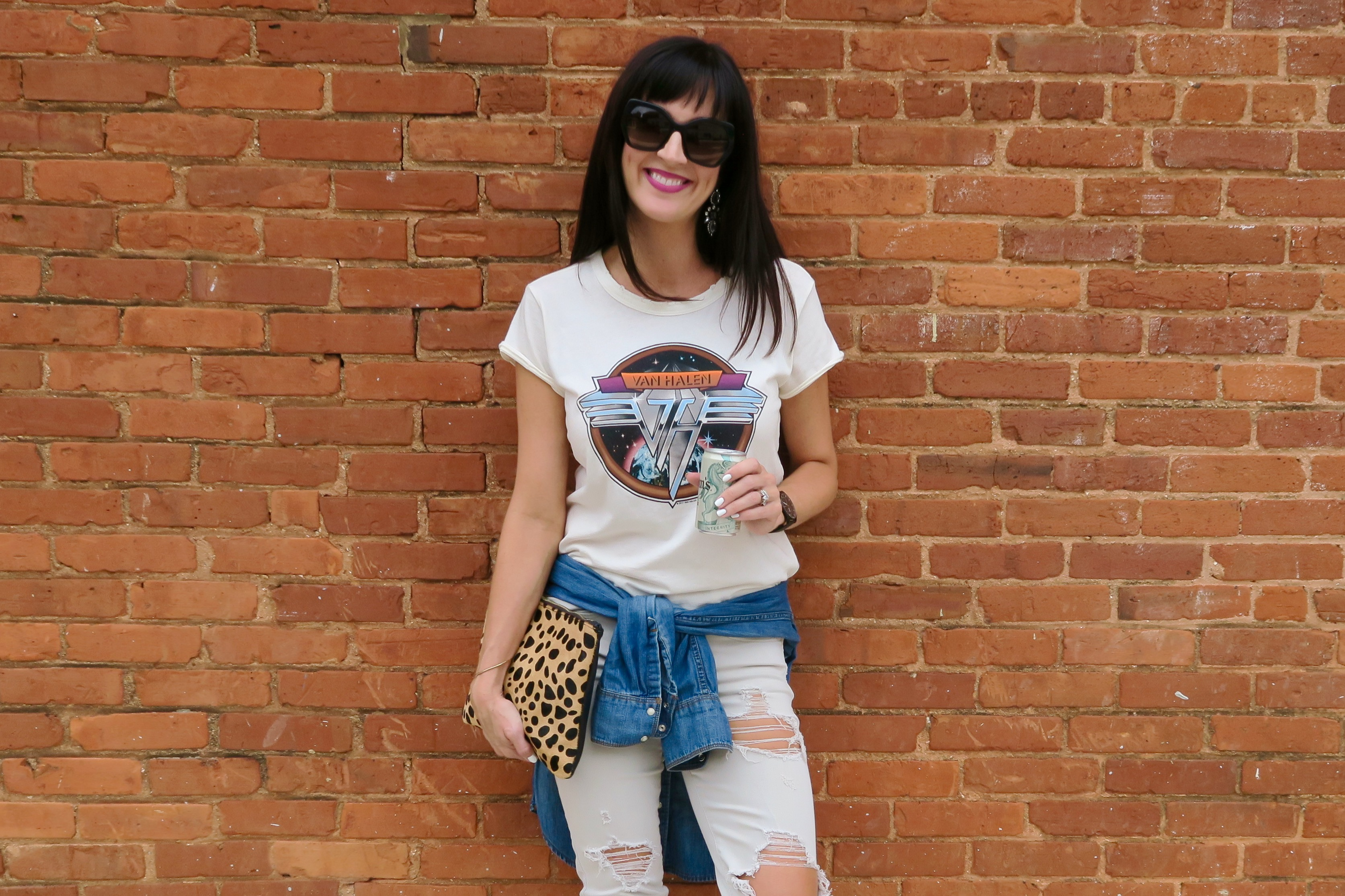 Tips For Making A Tee Shirt + Jeans Look Extra Cool