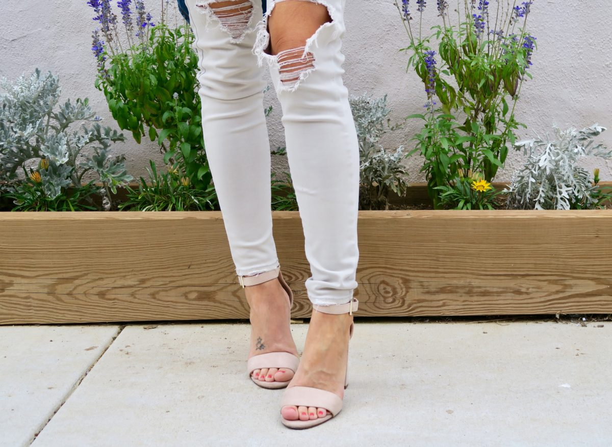 steve madden ankle block sandals how to style a tee shirt + jeans re