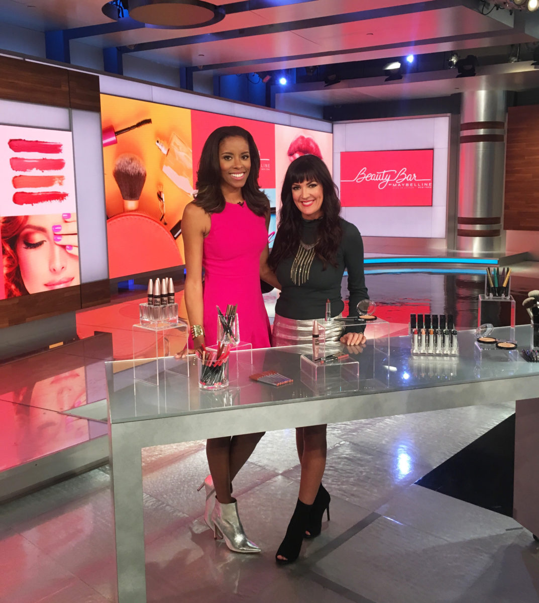 morning express cnn hln beauty bar segment beauty blogger Jennifer Duvall of JennySueMakeup.com