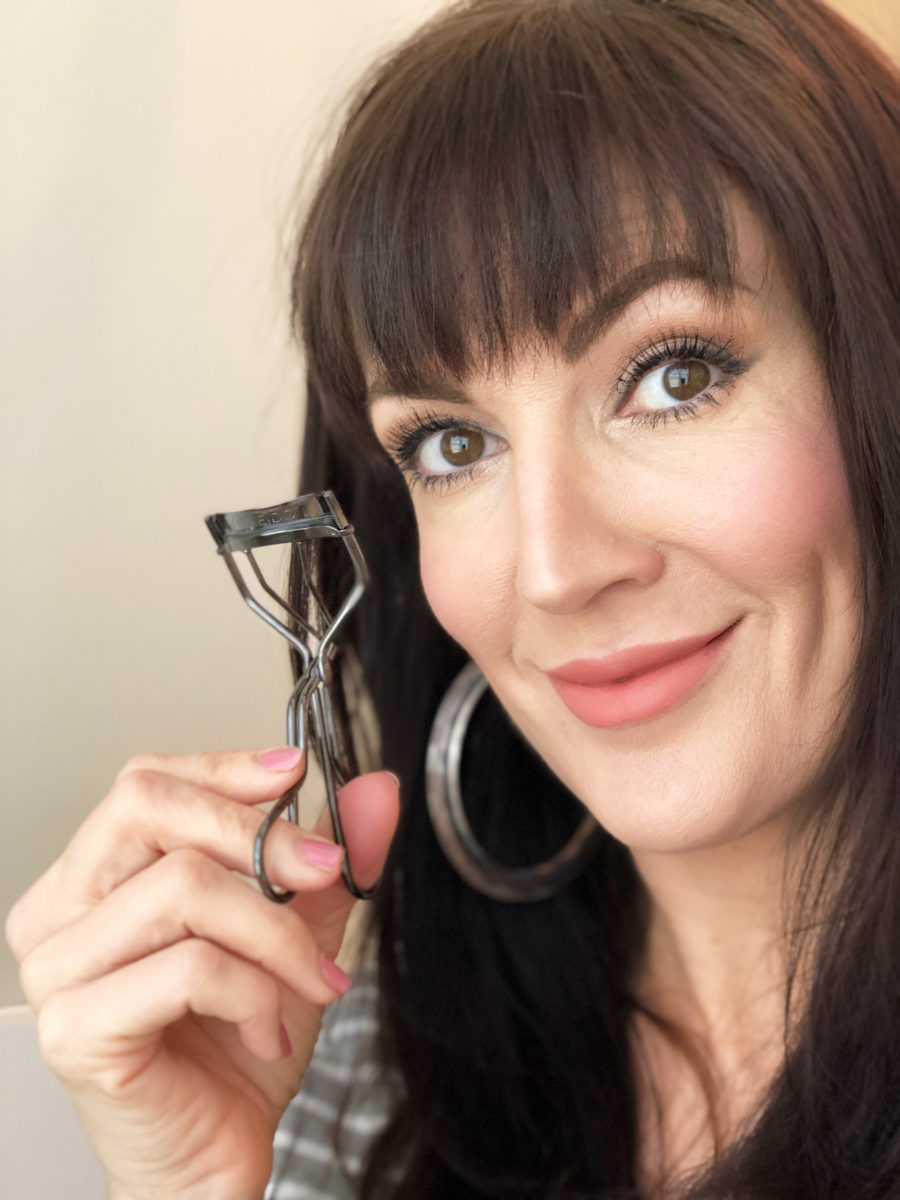 why-you-should-use-an-eyelash-curler-