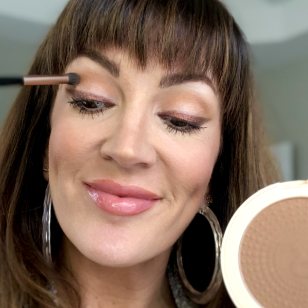 Use Your Bronzer As The Perfect Brown/Neutral Eyeshadow